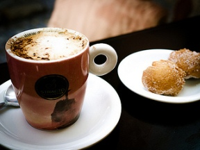 You can have meetings over coffee (photo by Chiew Pang, from http://www.flickr.com/photos/eltpics/)