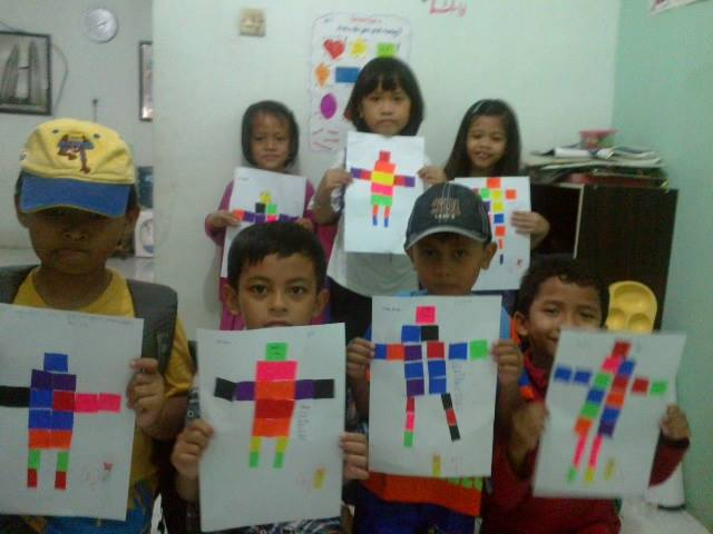 Ika's students after they have made robots!