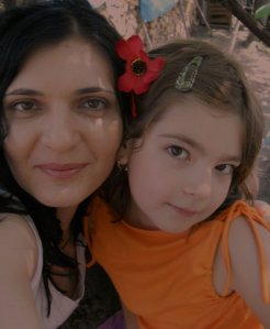 Mona Arvinte and her little daughter